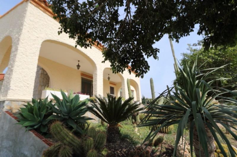 Villa in Elche For Sale