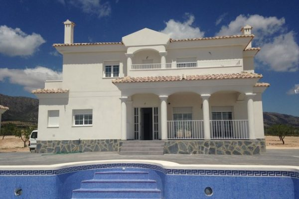 Villa in Pinoso with Swimming-pool and BBQ