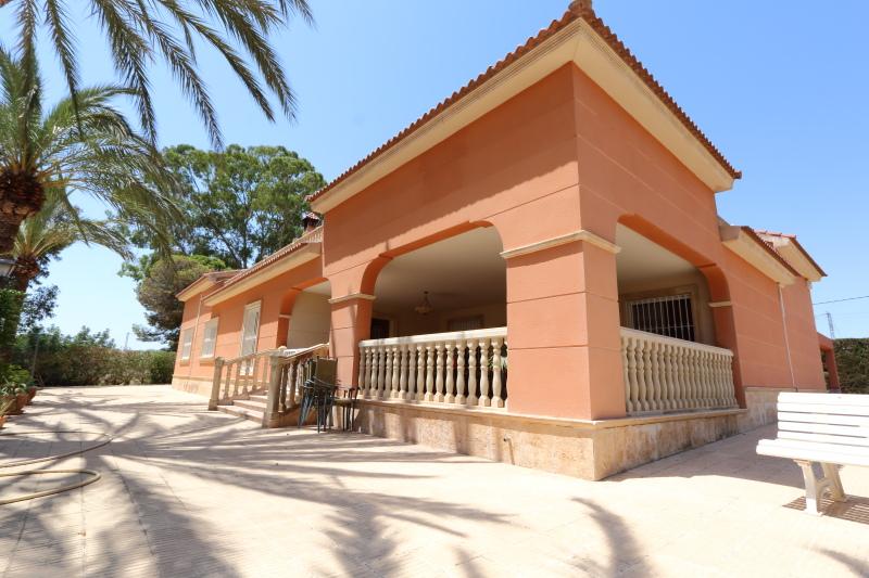 8-room-elche-villa-sale-alicant21-800x533