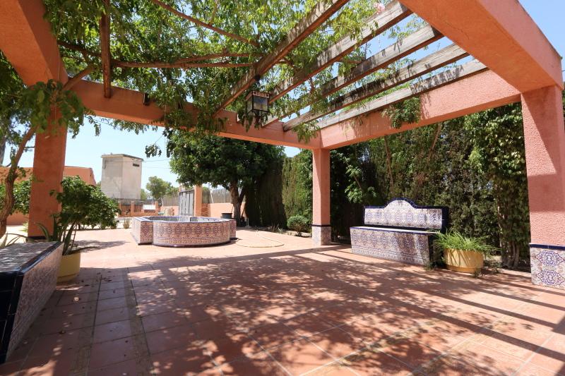 8-room-elche-villa-sale-alicant36-800x533