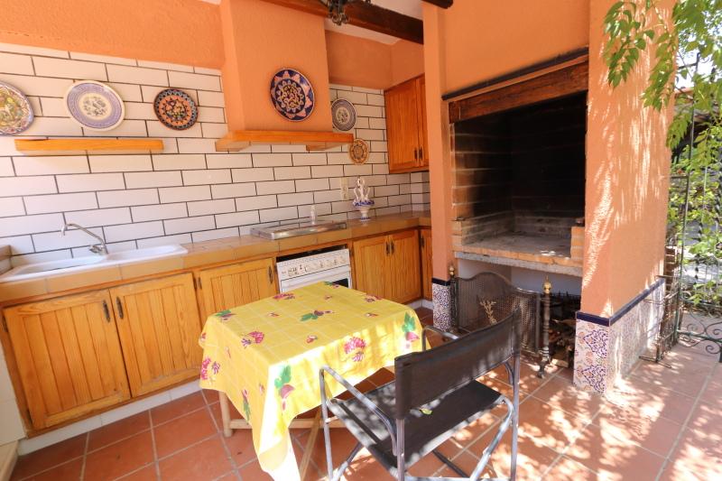 8-room-elche-villa-sale-alicant39-800x533