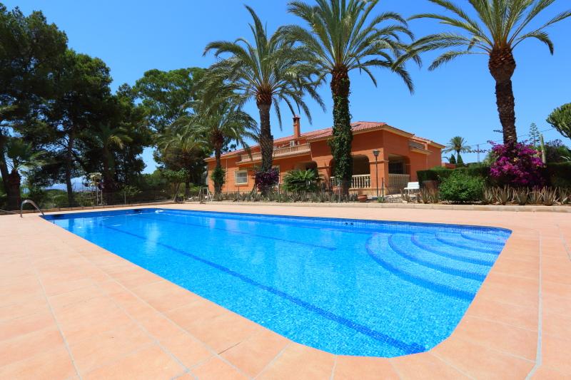 8-room-elche-villa-sale-alicant9-800x533