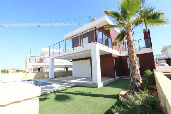 Gran Alacant Modern Villa with Swimming Pool For Sale
