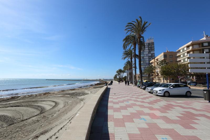 Apartment Santa Pola For Sale with Sea Views
