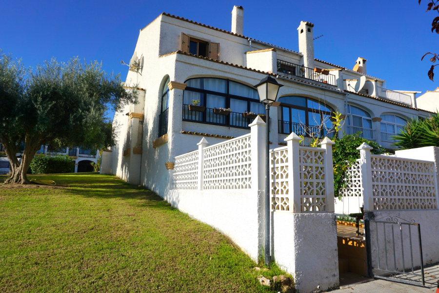 Gran Vista Semi-Detached Villa in Gran Alacant, Santa Pola