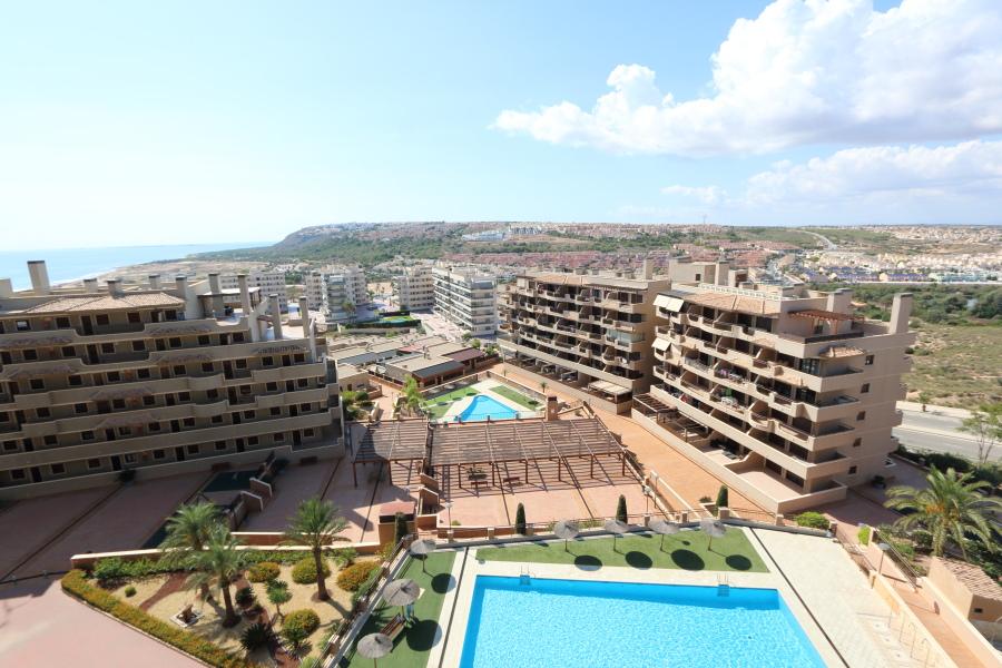 Balcón de Arenales Apartment For Sale