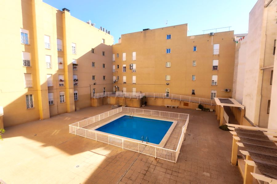 Elche Apartment For Sale with Swimming-pool