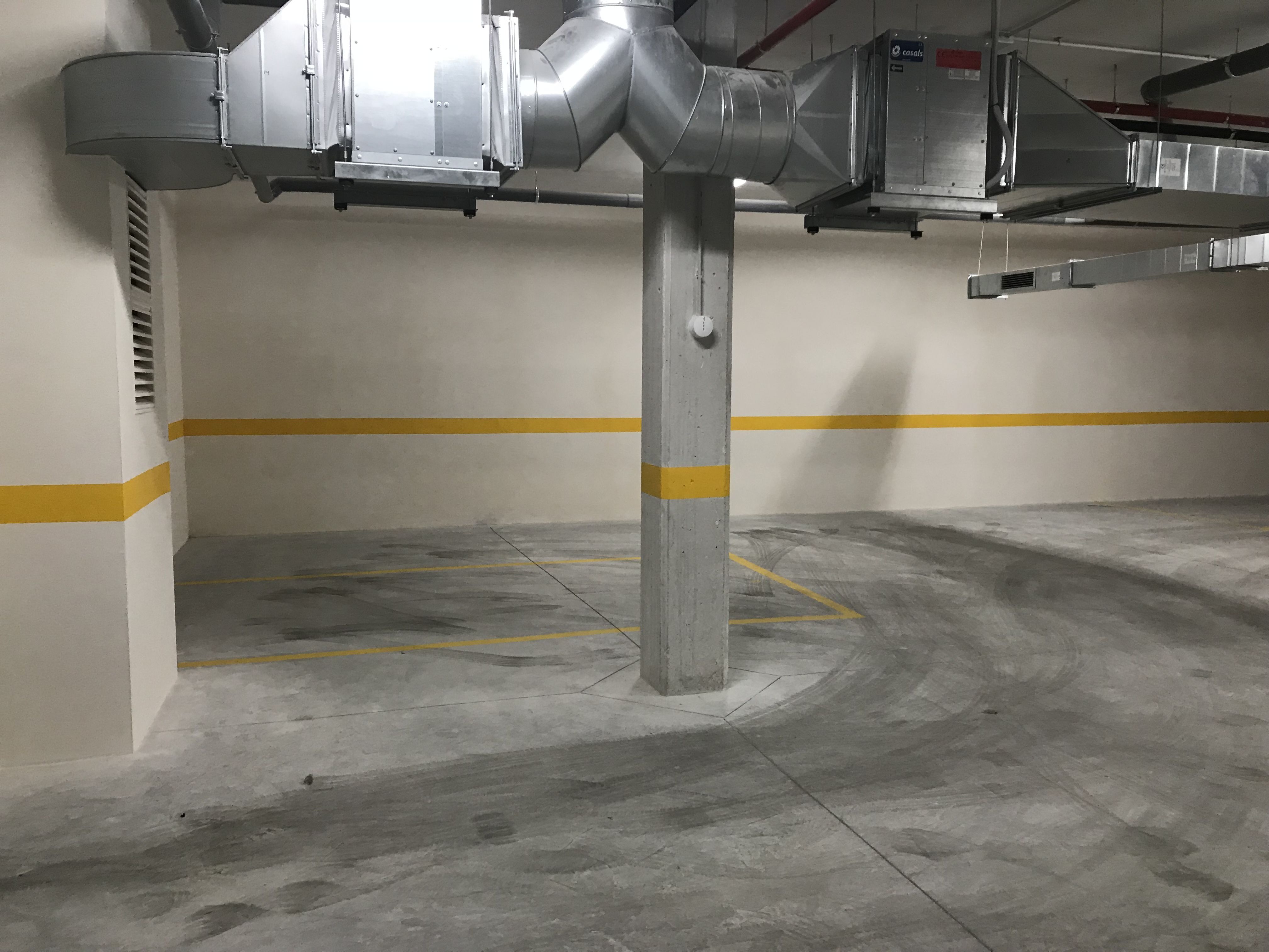 Alicante Parking For Sale with Storage Room