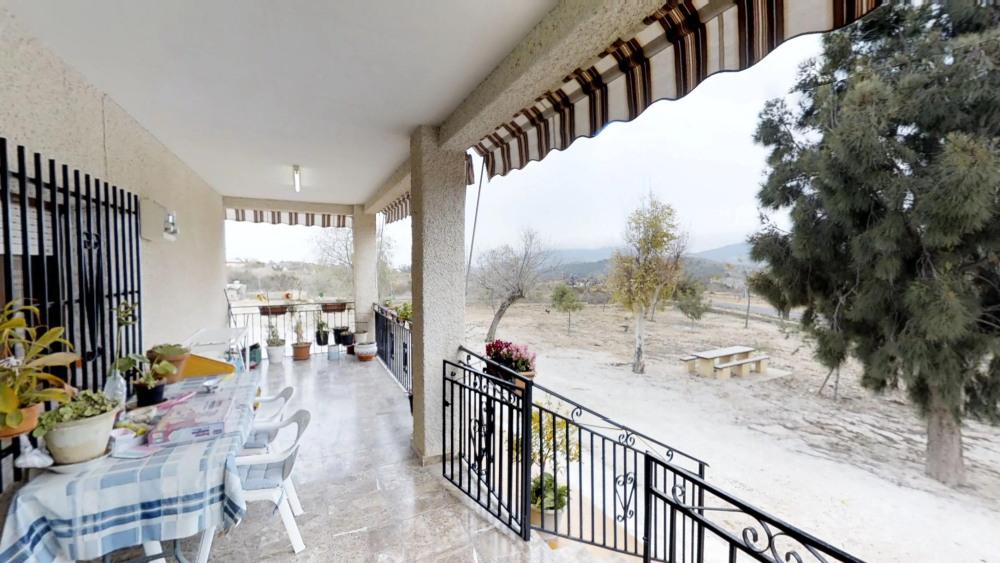 Villa La Canalosa For Sale with 6.000sqm Plot
