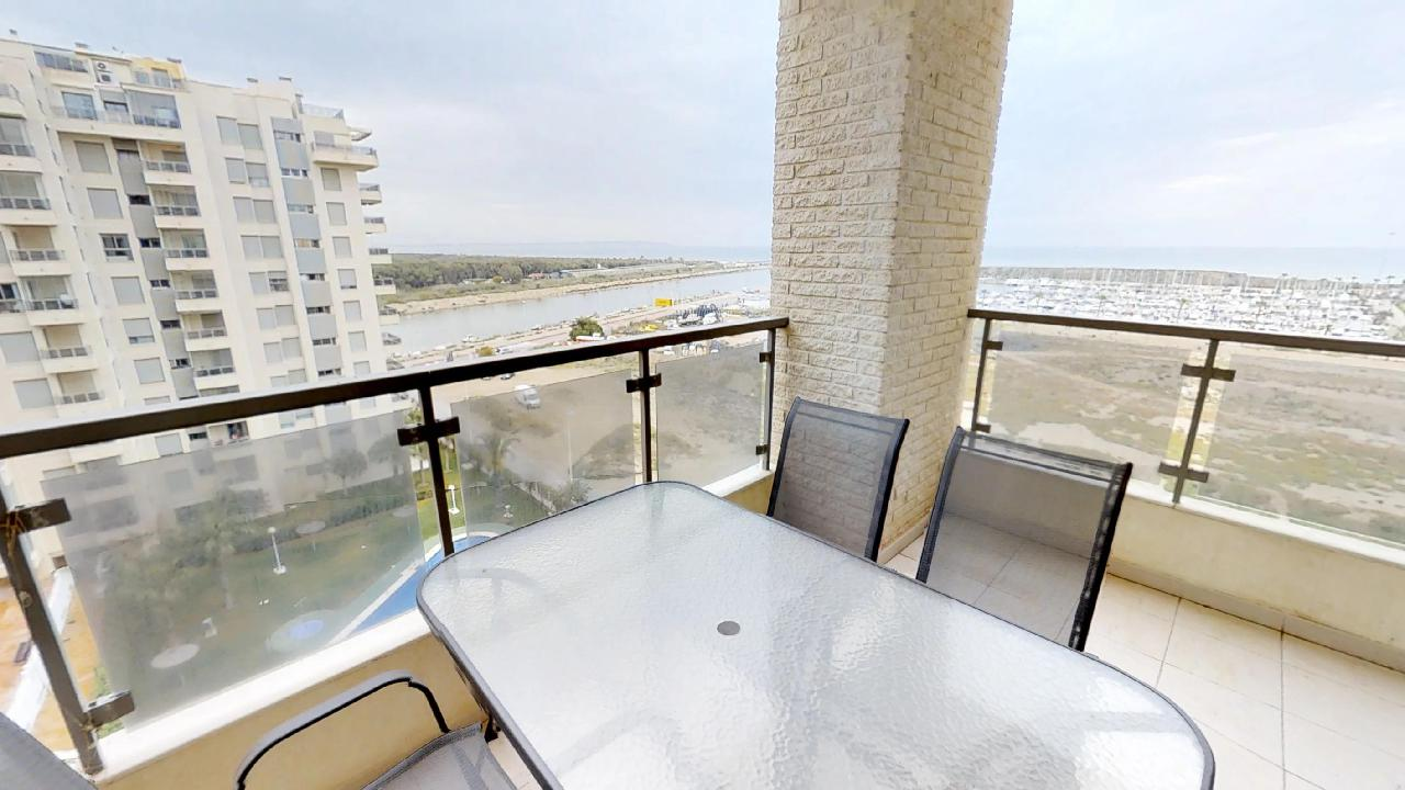 Guardamar Apartment with Sea Views, Swimming-pool
