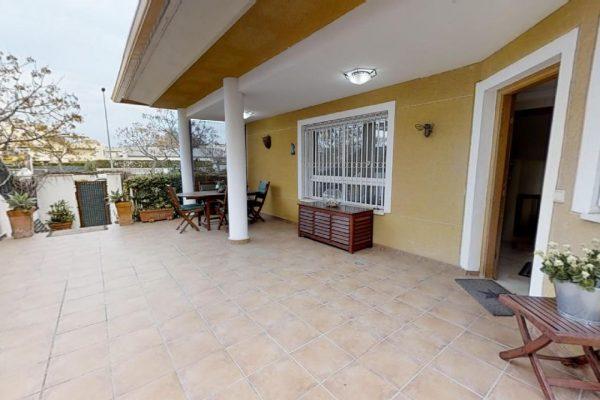 Alicante Villa Golf Area